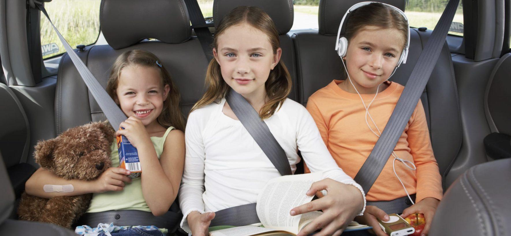 Bimbi in viaggio: i trucchi per tenerli occupati