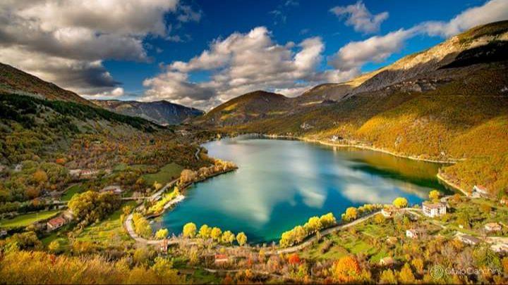Il Borgo di Scanno e il Lago a forma di Cuore