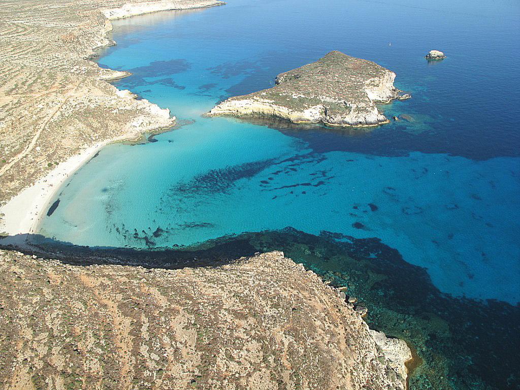 Spiaggia dei Conigli a Lampedusa: la più bella al mondo